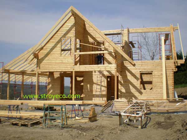 Wooden cottage from glued beams. Photo 2
